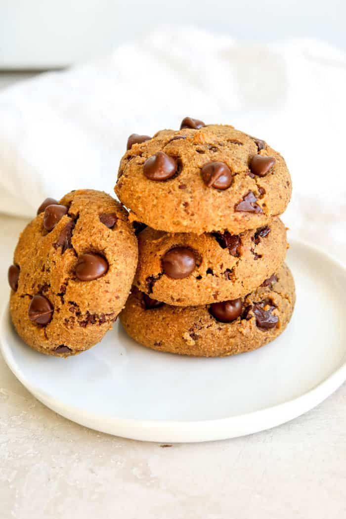 """<p>Yes, you can have cookies and still be healthy. These sweet treats are made with almond flour, coconut sugar, pumpkin puree, and almond butter so they're gluten-free but still delicious. </p><p><strong>Get the recipe at <a href=""""https://www.erinliveswhole.com/healthy-pumpkin-cookies/#tasty-recipes-6287"""" rel=""""nofollow noopener"""" target=""""_blank"""" data-ylk=""""slk:Erin Lives Whole"""" class=""""link rapid-noclick-resp"""">Erin Lives Whole</a>. </strong></p><p><a class=""""link rapid-noclick-resp"""" href=""""https://go.redirectingat.com?id=74968X1596630&url=https%3A%2F%2Fwww.walmart.com%2Fsearch%2F%3Fquery%3Dcookie%2Bscoop&sref=https%3A%2F%2Fwww.thepioneerwoman.com%2Ffood-cooking%2Fmeals-menus%2Fg37022645%2Fhealthy-pumpkin-recipes%2F"""" rel=""""nofollow noopener"""" target=""""_blank"""" data-ylk=""""slk:SHOP COOKIE SCOOPS"""">SHOP COOKIE SCOOPS</a></p>"""