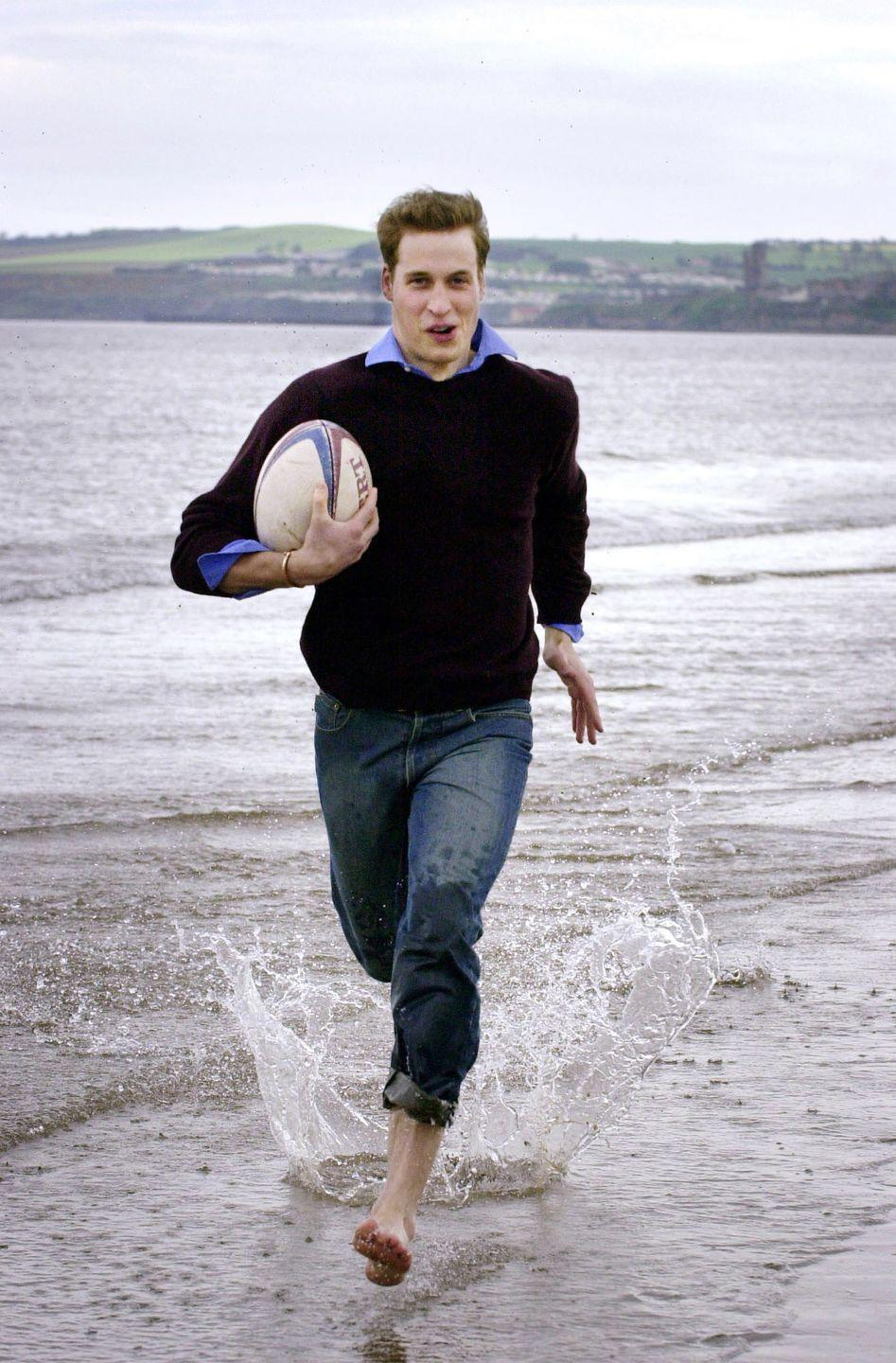 <p>In a break from his studies at St Andrews, Prince William let loose while playing rugby on the beach near his university home. <br></p>