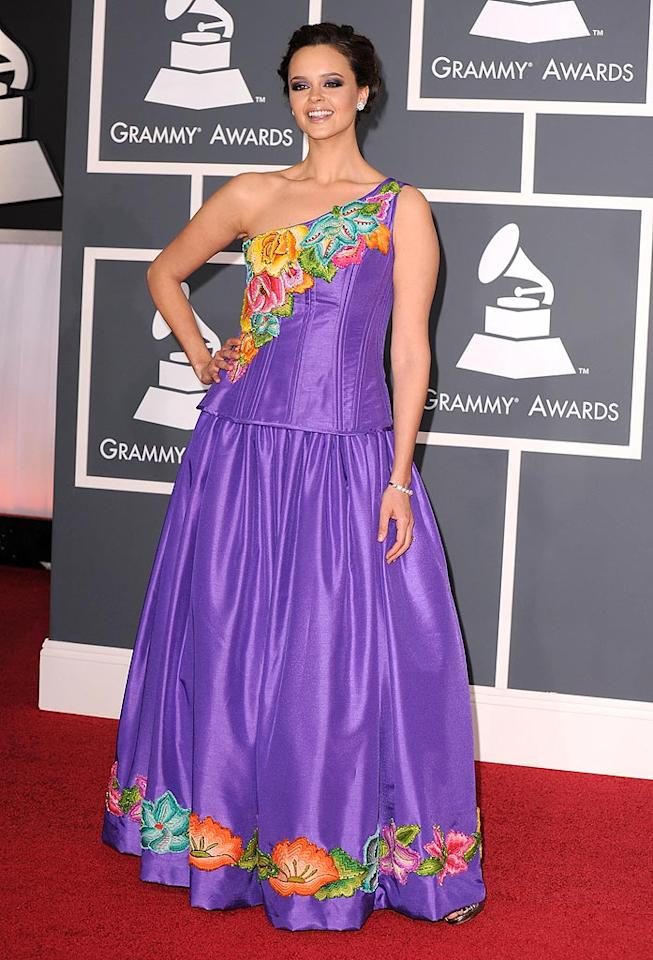 """Shaila Durcal  Grade: D-   The Spanish singer-songwriter hit a ridiculously bad note in her embroidered lavender loser of a dress. Steve Granitz/<a href=""""http://www.gettyimages.com/"""" target=""""new"""">GettyImages.com</a> - January 31, 2010"""