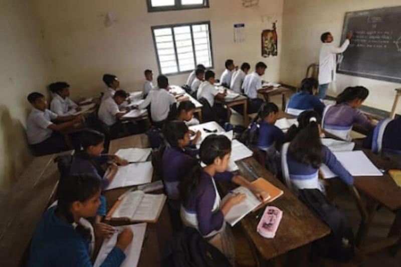 Where is the Infrastructure, Asks Bengal Syllabus Committee Head on 'Illogical' National Education Policy