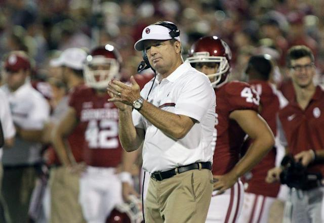 Bob Stoops won a national title at Oklahoma in 200. (Getty)
