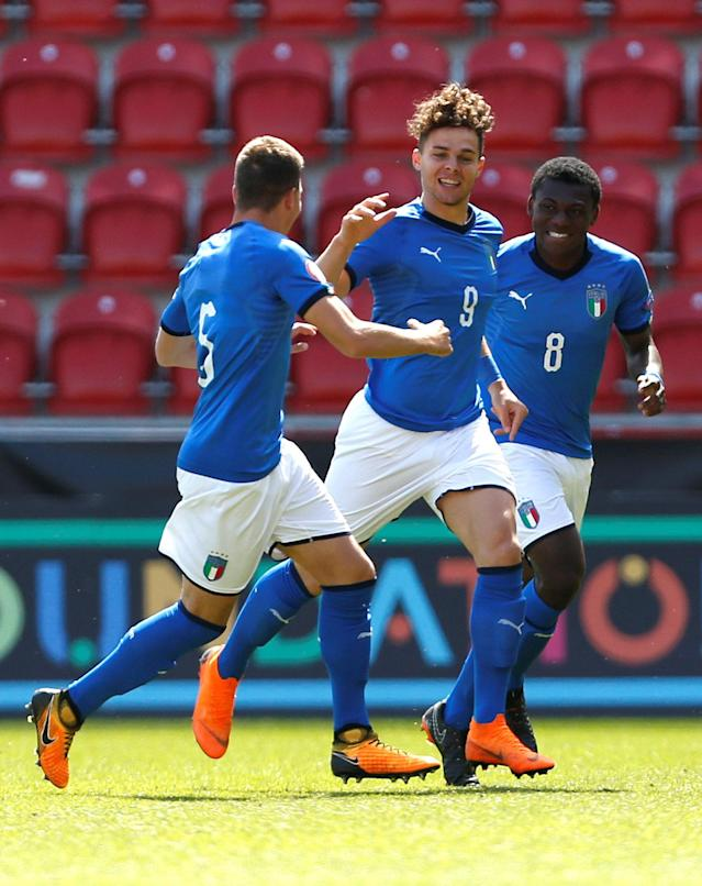 Soccer Football - UEFA European Under-17 Championship Quarter-Final - Italy vs Sweden - New York Stadium, Rotherham, Britain - May 13, 2018 Italy's Edoardo Vergani celebrates scoring their first goal Action Images via Reuters/Ed Sykes