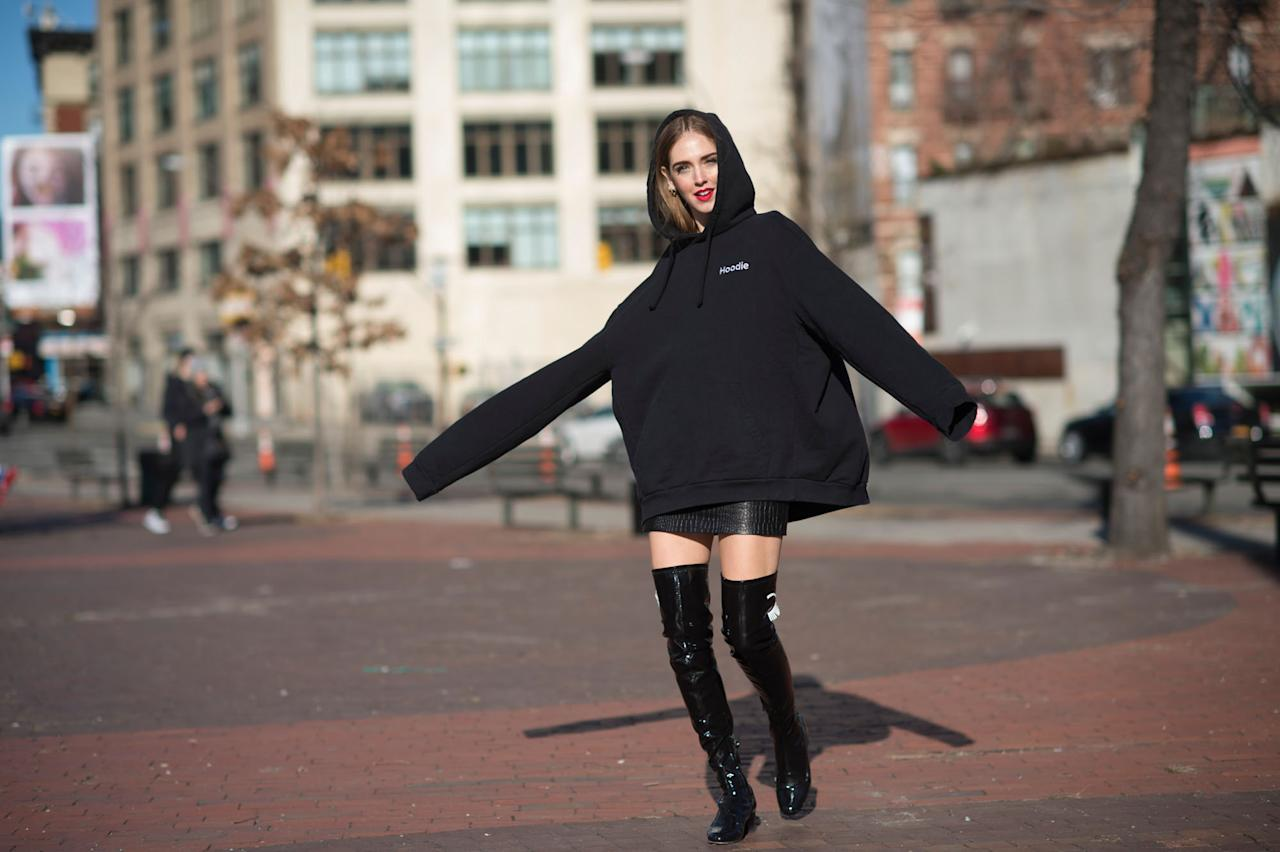 <p>Can we please just go back to wearing hoodies that fit us properly. It's like our oversized school uniform nightmares all over again. [Photo: The Blonde Salad] </p>