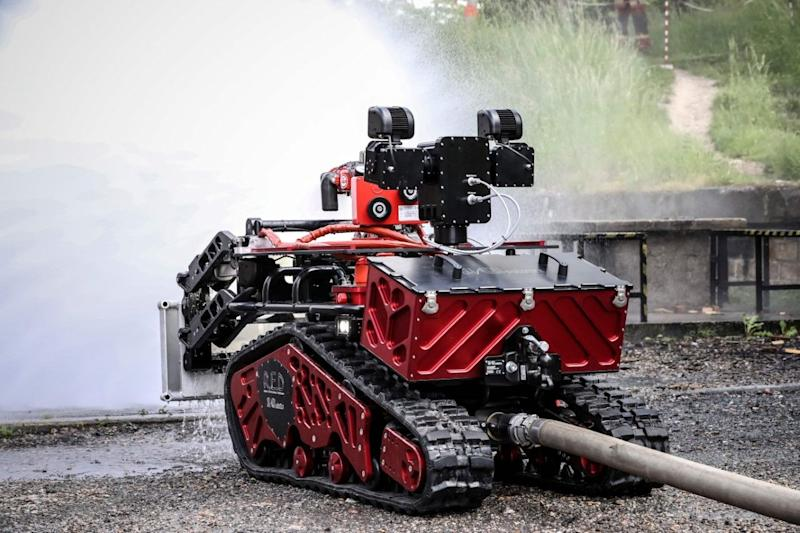 The machine was made by French technology company Shark Robotics and features a motorized water cannon that can be operated remotely.