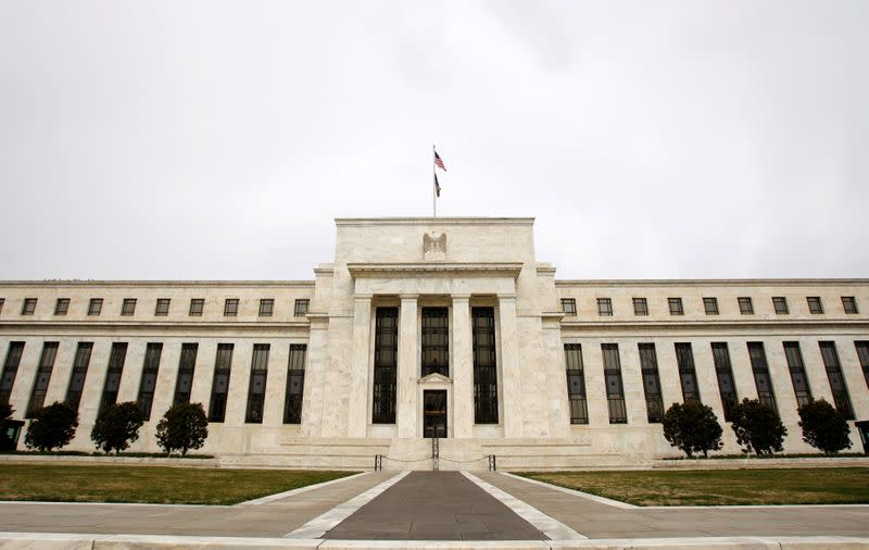 Federal Reserve temporarily eases some bank leverage requirements
