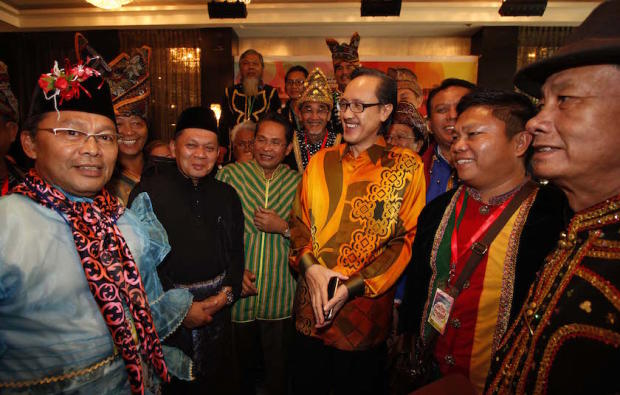 Masidi (third from right) said the state needs to look at the bigger picture, as the proposed bridge project has put Sabah in the spotlight from conservationists worldwide. ― File pic