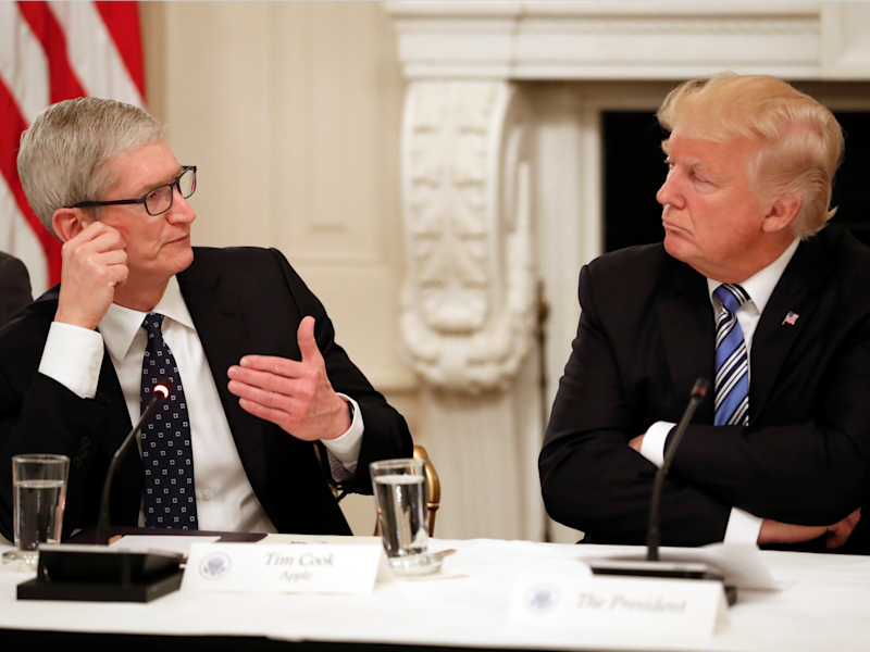 Donald Trump Tim Cook