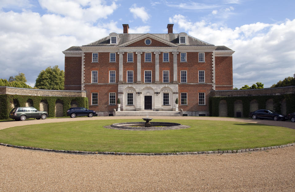 SEVENOAKS, UNITED KINGDOM - AUGUST 08: Chevening House Estate, country house and official residence of the foreign secretary of the United Kingdom on August 08, 2011, in Sevenoaks, United Kingdom.  (Photo by Thomas Imo/Photothek via Getty Images)