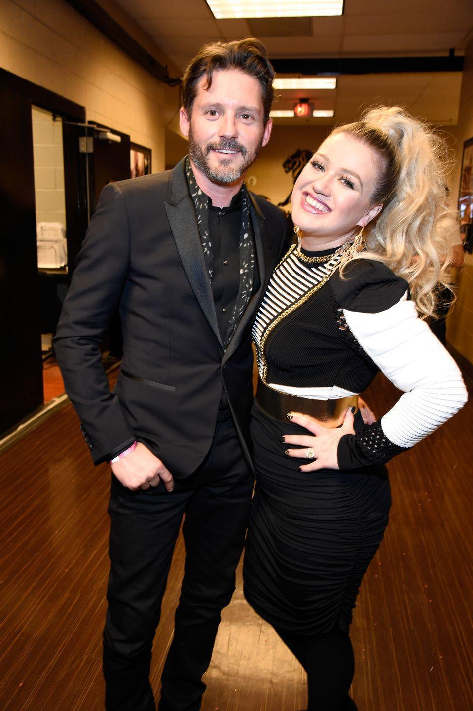 """<p>Truly did not think <a href=""""https://www.cosmopolitan.com/entertainment/celebs/a32868863/kelly-clarkson-brandon-blackstock-relationship-divorce-timeline/"""" rel=""""nofollow noopener"""" target=""""_blank"""" data-ylk=""""slk:Kelly Clarkson and Brandon Blackstock"""" class=""""link rapid-noclick-resp"""">Kelly Clarkson and Brandon Blackstock</a>'s breakup would get so messy, but it went from zero to 100 REAL QUICK. <a href=""""https://www.cosmopolitan.com/entertainment/celebs/a32841772/kelly-clarkson-brandon-blackstock-divorce/"""" rel=""""nofollow noopener"""" target=""""_blank"""" data-ylk=""""slk:Kelly filed to divorce Brandon in June"""" class=""""link rapid-noclick-resp"""">Kelly filed to divorce Brandon in June</a> after seven years of marriage, and things got v complicated recently in court. <a href=""""https://www.complex.com/pop-culture/2020/12/kelly-clarkson-ex-husband-asking-436000-spousal-child-support#:~:text=Brandon%20Blackstock%20is%20asking%20the,of%20%24436%2C000%20every%20single%20month."""" rel=""""nofollow noopener"""" target=""""_blank"""" data-ylk=""""slk:Brandon asked for $436,000 in spousal and child support money"""" class=""""link rapid-noclick-resp"""">Brandon asked for $436,000 in spousal and child support money</a>, and now <a href=""""https://www.cosmopolitan.com/entertainment/celebs/a34942053/kelly-clarkson-brandon-blackstock-defrauded-millions/"""" rel=""""nofollow noopener"""" target=""""_blank"""" data-ylk=""""slk:Kelly's claiming he defrauded her of out of millions of dollars."""" class=""""link rapid-noclick-resp"""">Kelly's claiming he defrauded her of out of millions of dollars.</a> Yikes.</p>"""