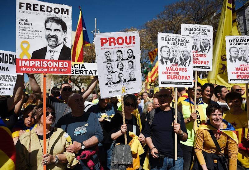 Massive March In Barcelona Against Jailing Of Separatist Leaders