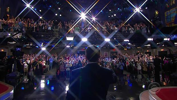 Stephen Colbert is welcomed by a fully-vaccinated crowd at the Ed Sullivan Theater.  / Credit: CBS