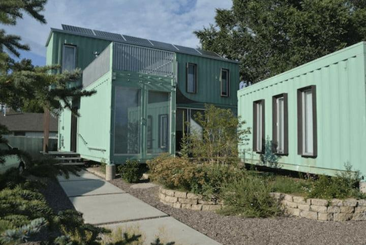 """<span class=""""credit""""><a href=""""http://www.ecosadesign.com/index.php?option=com_content&view=article&id=67:jones-glotfelty-shipping-container-house&catid=45:in-designconstruction&Itemid=65"""" rel=""""nofollow noopener"""" target=""""_blank"""" data-ylk=""""slk:Ecocosa Design Studio"""" class=""""link rapid-noclick-resp"""">Ecocosa Design Studio</a></span>"""