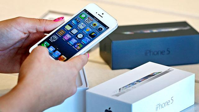 Apple Probes Alleged Deadly iPhone Electrocution