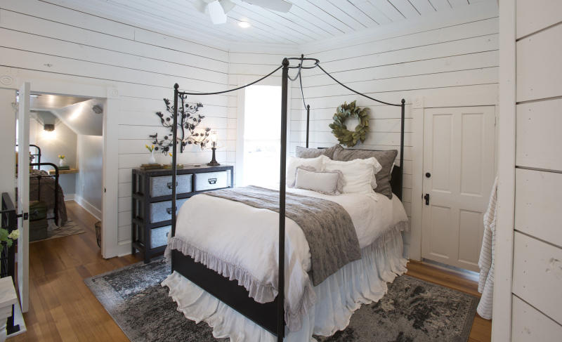 An upstairs landing area made into a bedroom suite. (Fort Worth Star-Telegram via Getty Images)