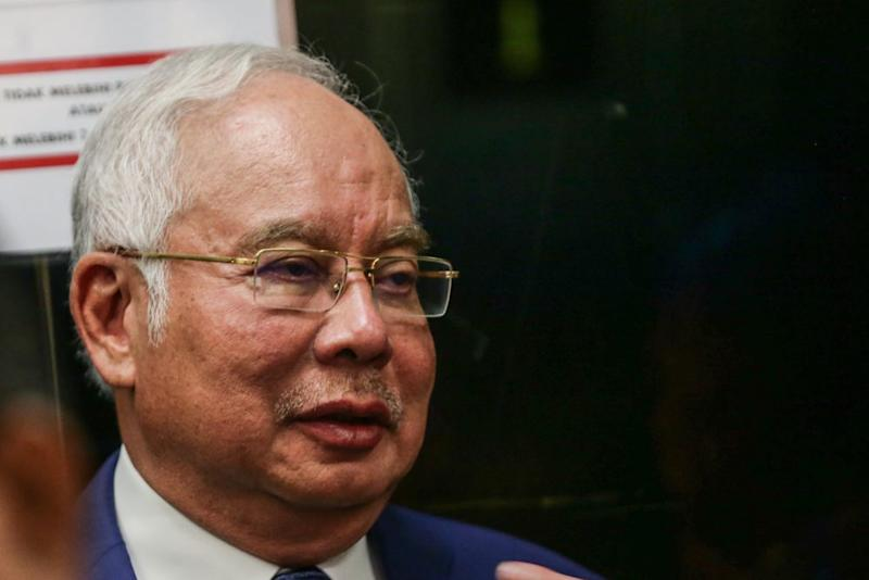Datuk Seri Najib Razak today has named Pakatan Harapan (PH) politicians whom he liked and disliked. ― Picture by Firdaus Latif