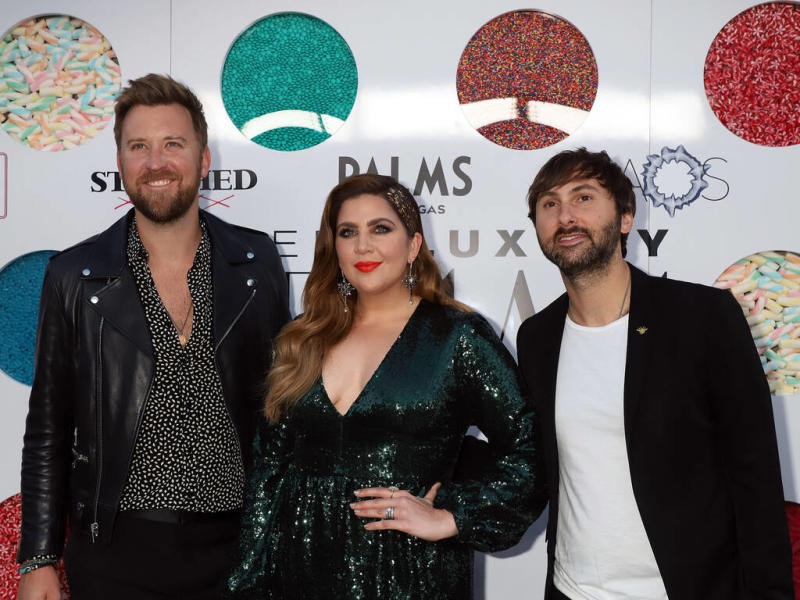 Country music stars help raise $373,000 for tornado relief efforts