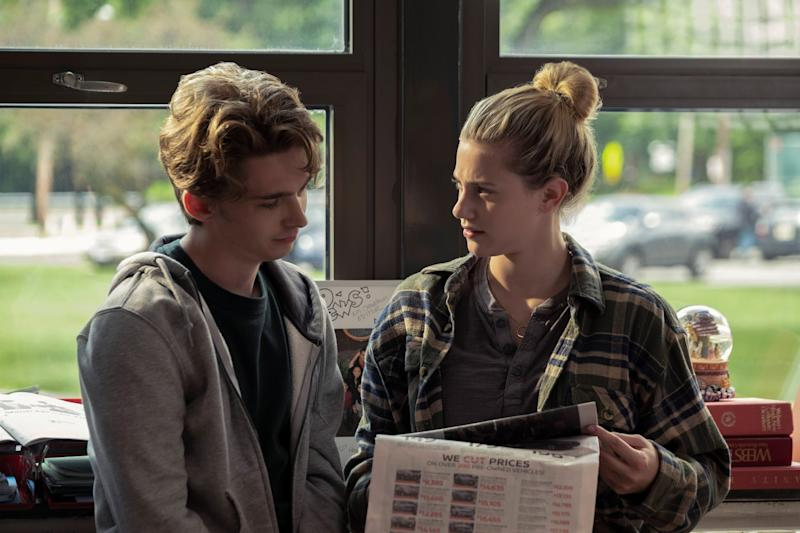 CHEMICAL HEARTS, from left: Austin Abrams, Lili Reinhart, 2020. ph: Cara Howe / Amazon / Courtesy Everett Collection