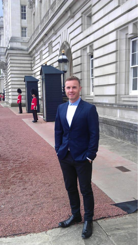 Celebrity photos: Gary Barlow was faced with the task of organsising the Queen's Jubilee Concert – and we reckon he did a blimmin' good job. Just before the show, he tweeted this picture of him standing outside Buckingham Palace, telling his followers how excited he was.