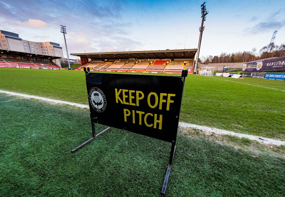 The Scottish Championship has canceled the remainder of its season, and it's not alone in doing so. (Photo by Ross Parker / SNS Group via Getty Images)