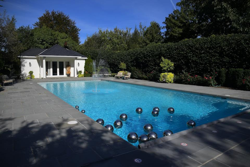The Quayle family had the pool installed when they lived at the vice president's residence from 1989 to 1993. (Photo: The Washington Post via Getty Images)