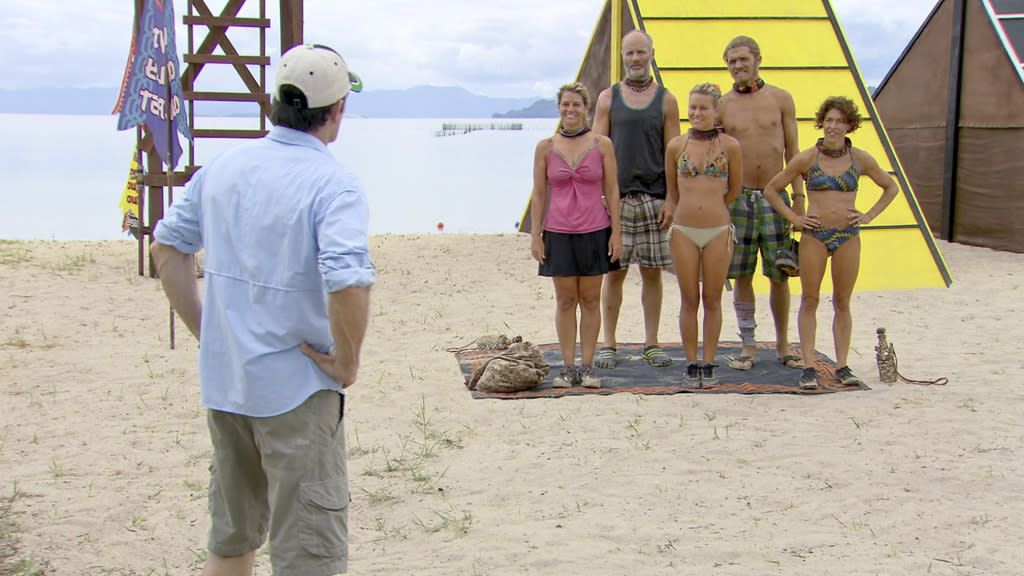 """Jeff Probst announces the reward in front of Lisa Whelchel, Michael Skupin, Abi-Maria Gomes, Malcolm Freberg and Denise Stapley in the """"Survivor: Philippines"""" episode, """"Gouge My Eyes Out."""""""