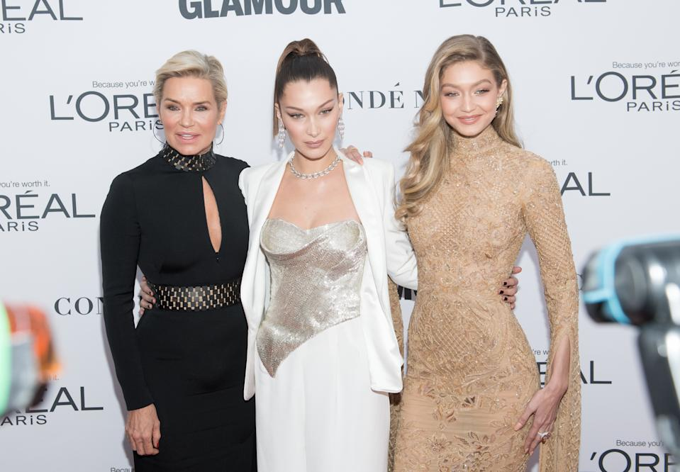 NEW YORK, NY - NOVEMBER 13:  (L-R) Yolanda Foster, Bella Hadid and Gigi Hadid attend the 2017 Glamour Women of The Year Awards at Kings Theatre on November 13, 2017 in New York City.  (Photo by Noam Galai/WireImage)