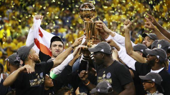 <p>The Golden State Warriors have won two titles in three seasons – but who except the Cleveland Cavaliers can challenge them next season?(圖片來源:Omnisport) </p>