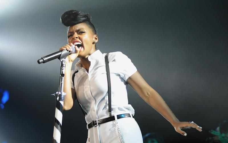 Monae to sing live Fashion Week runway soundtrack