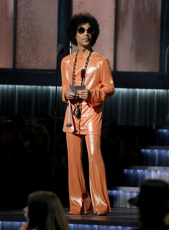 <p>Clearly the man's innate freshness didn't quit in the later years of his life. These relaxed, shiny separates, round-frame sunglasses, and a fierce 'fro were a welcome addition to the fashion we saw at the Grammys that year.</p><p><i><i>(Photo: Getty)</i></i></p>