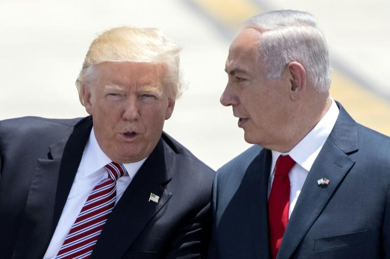 Israeli Prime Minister Benjamin Netanyahu (R) and US President Donald Trump have developed a close relationship