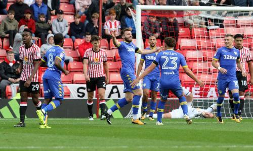 Samuel Sáiz and Stuart Dallas strike as Leeds United win at Sunderland