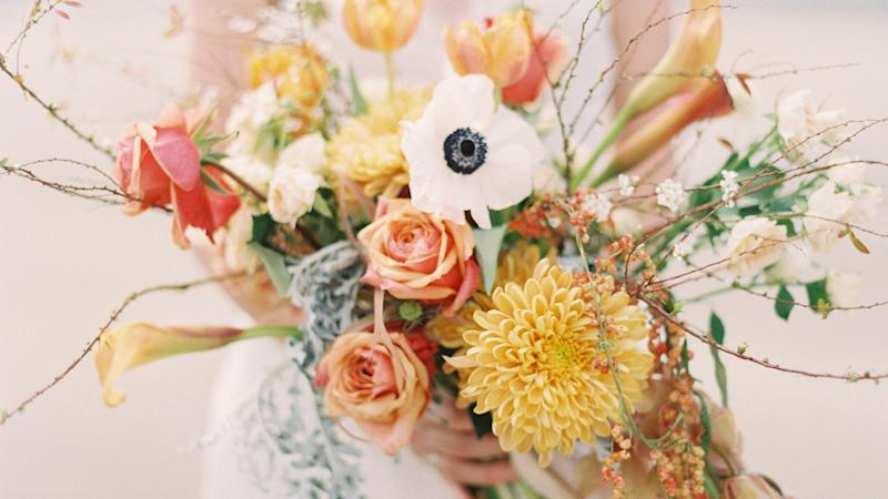 22 Lily Bouquets Perfect for a Spring Wedding