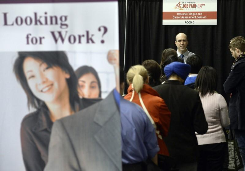 Canada unexpectedly lost jobs in October as labor market stagnated, unemployment rate steady at 5.5%