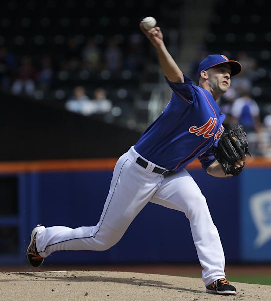 New York Mets starting pitcher Dillon Gee throws during the first inning of a baseball game against the Miami Marlins at Citi Field Sunday, Sept. 15, 2013, in New York. (AP Photo/Seth Wenig)