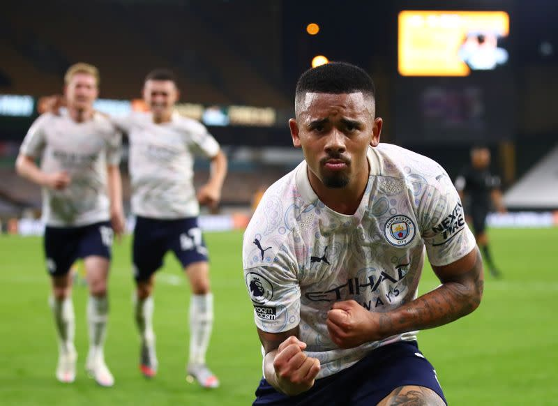 Manchester City off to winning start with victory at Wolves