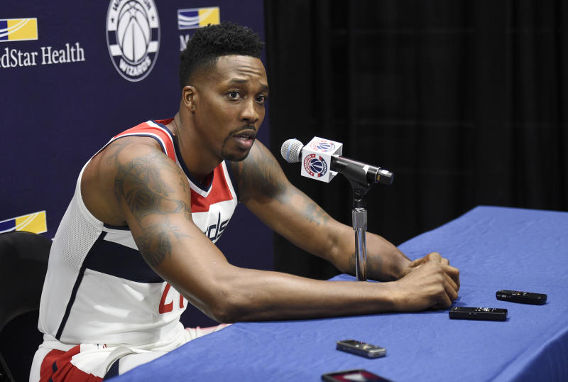 Dwight Howard sidelined by butt injury