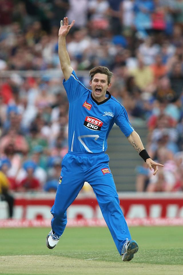 ADELAIDE, AUSTRALIA - DECEMBER 23: Kane Richardson of the Strikers appeals during the Big Bash League match between the Adelaide Strikers and the Sydney Sixers at Adelaide Oval on December 23, 2012 in Adelaide, Australia.  (Photo by Morne de Klerk/Getty Images)