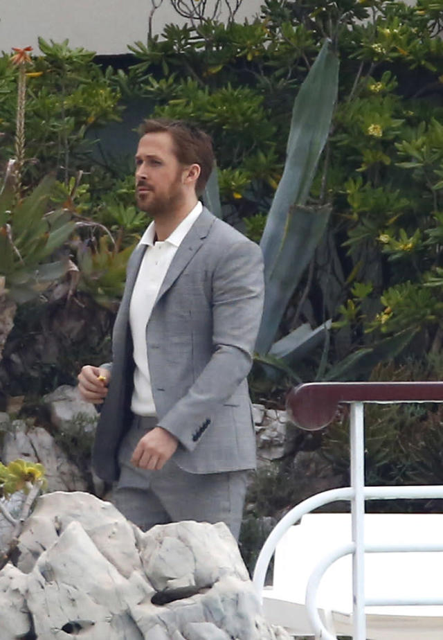 <p>Gosling looked dapper and ready for a meeting with Jodie Foster at Hotel du Cap-Eden-Roc last year. (Photo: Splash News) </p>
