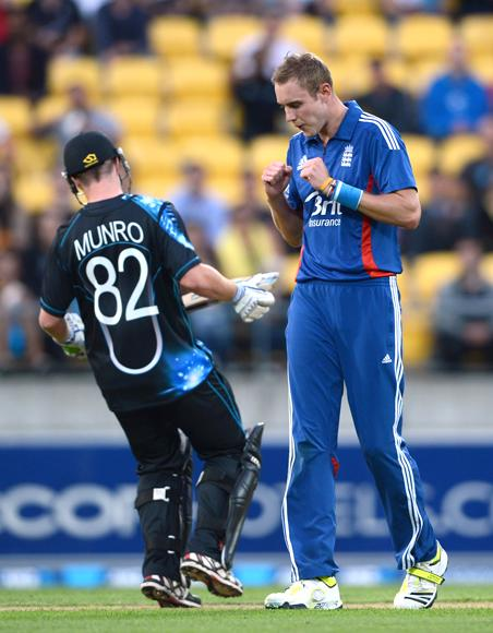 Stuart Broad of England celebrates dismissing Colin Munro of New Zealand during the third Twenty20 International match between New Zealand and England at Westpac Stadium on February 15, 2013 in Wellington, New Zealand.  (Photo by Gareth Copley/Getty Images)
