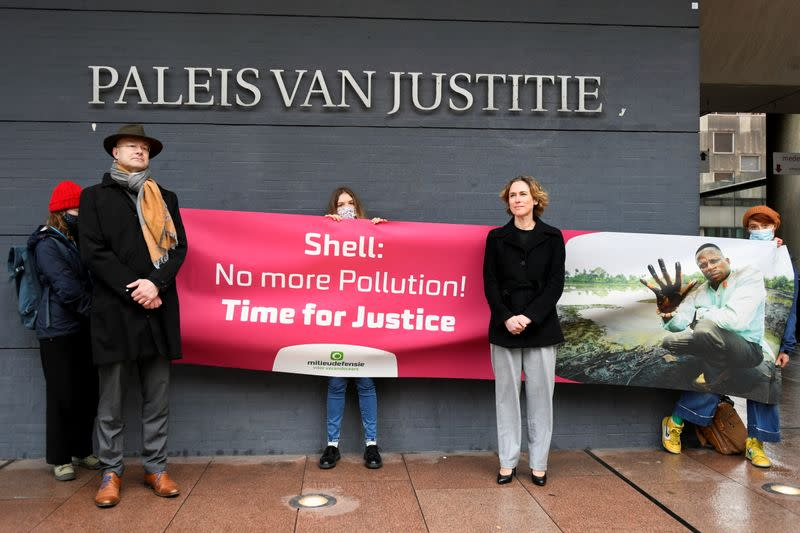 Verdict in Nigerian oil spills case against Shell, in the Hague