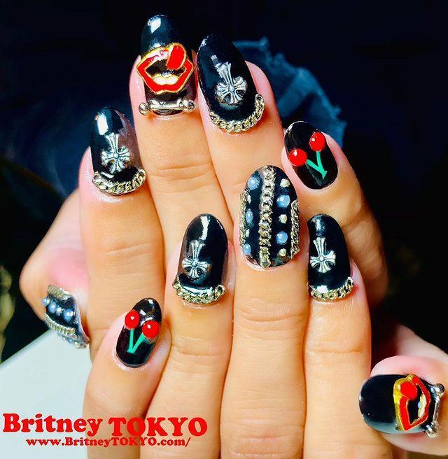 """<p>""""Embellish nails with adornments for a rock & roll inspired manicure,"""" says Elle. """"Think smoke, black and metal stones, and studs decorating your mani as a definite must to show your edgy side."""" You can shop gold nail charms on <a href=""""https://www.etsy.com/listing/687807723/nail-charms-alloy-3d-nails-charms-metal?gpla=1&gao=1&&utm_source=google&utm_medium=cpc&utm_campaign=shopping_us_d-craft_supplies_and_tools-beads_gems_and_cabochons-charms_and_pendants-charms&utm_custom1=_k_CjwKCAiArIH_BRB2EiwALfbH1LATunepOfiHaDaGNEGSNDz_SonXwCqEQOZyf3FvJY37c3M2i_kGyxoCbuEQAvD_BwE_k_&utm_content=go_2063557873_76452865095_367965824865_aud-459688891915:pla-295748122496_c__687807723_138341180&utm_custom2=2063557873&gclid=CjwKCAiArIH_BRB2EiwALfbH1LATunepOfiHaDaGNEGSNDz_SonXwCqEQOZyf3FvJY37c3M2i_kGyxoCbuEQAvD_BwE"""" rel=""""nofollow noopener"""" target=""""_blank"""" data-ylk=""""slk:Etsy"""" class=""""link rapid-noclick-resp"""">Etsy</a> or go for a dark energy digit with this <a href=""""https://maniology.com/products/supernatural-the-spirit-speaks-m071-single-plate?variant=16393730621506&gclid=CjwKCAiArIH_BRB2EiwALfbH1FxkxJEiLpz7gHn8F90_wsomDZJH8xzZ03FJ0Hv5J67TeAePV2iVFBoCcfMQAvD_BwE"""" rel=""""nofollow noopener"""" target=""""_blank"""" data-ylk=""""slk:Supernatural Nail Kit from Maniology"""" class=""""link rapid-noclick-resp"""">Supernatural Nail Kit from Maniology</a>. </p><p><a href=""""https://www.instagram.com/p/CIH5qLog4-7/"""" rel=""""nofollow noopener"""" target=""""_blank"""" data-ylk=""""slk:See the original post on Instagram"""" class=""""link rapid-noclick-resp"""">See the original post on Instagram</a></p>"""