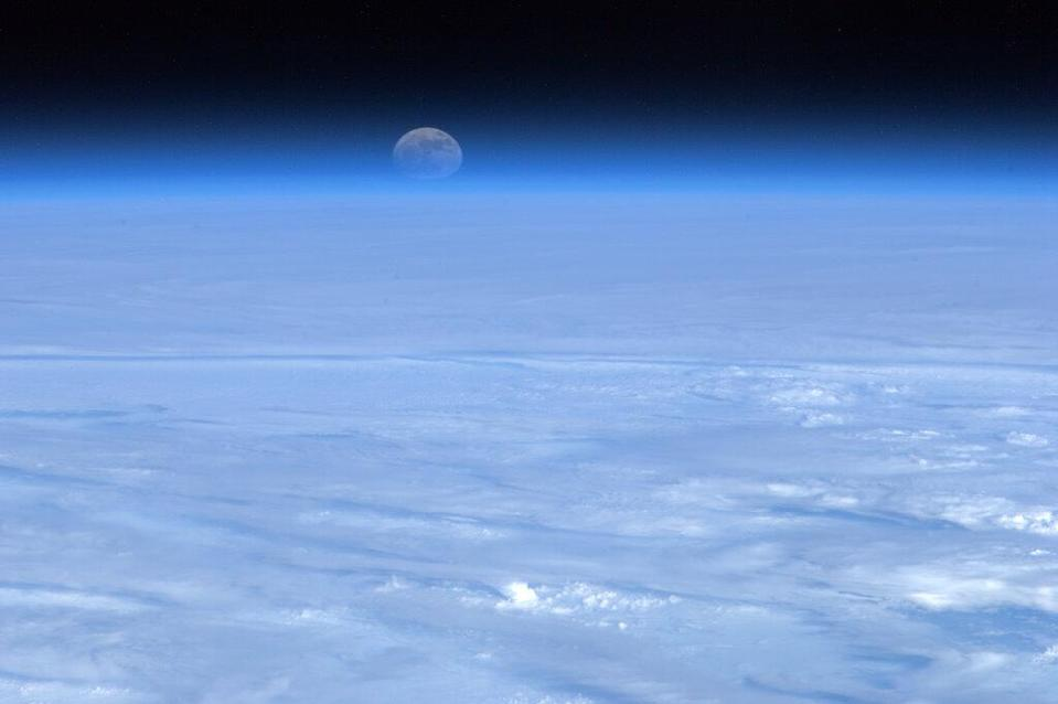 """Tonight's Finale: The Moon rising over a bed of cloud. A constant reminder to us all of what can be achieved. <a href=""""https://twitter.com/Cmdr_Hadfield/"""" rel=""""nofollow noopener"""" target=""""_blank"""" data-ylk=""""slk:(Photo by Chris Hadfield/Twitter)"""" class=""""link rapid-noclick-resp"""">(Photo by Chris Hadfield/Twitter)</a>"""