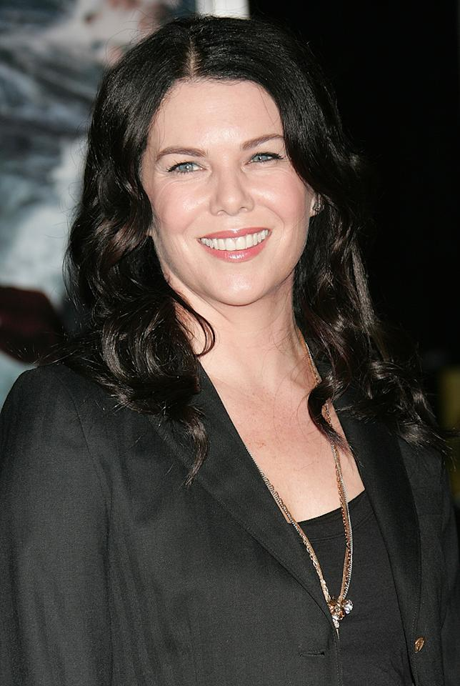 """<a href=""""http://movies.yahoo.com/movie/contributor/1800023824"""">Lauren Graham</a> at the Los Angeles premiere of <a href=""""http://movies.yahoo.com/movie/1810045661/info"""">2012</a> - 11/03/2009"""