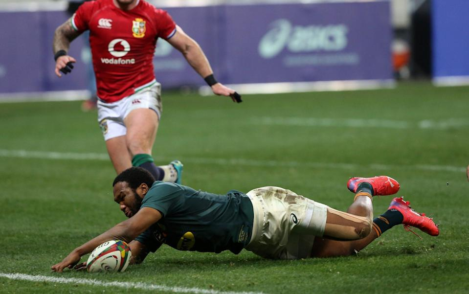 Lukhanyo Am scores for South Africa against the Lions - GETTY IMAGES SPORT