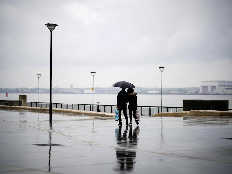 April is expected to draw to a close with more showers: Christopher Furlong/Getty Images