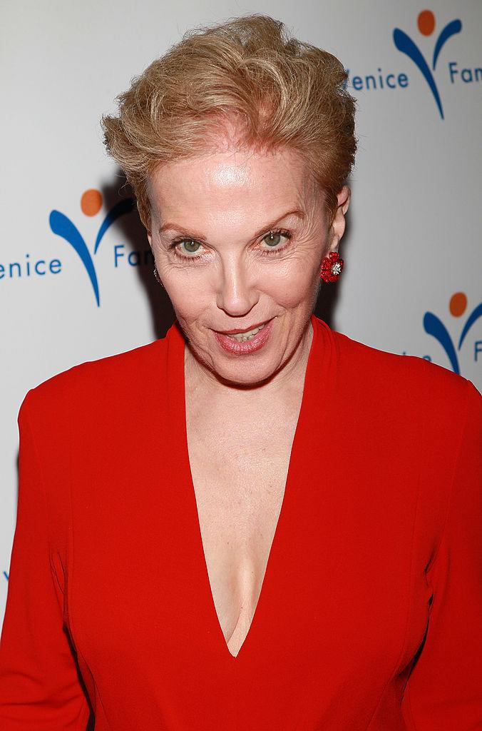 Dear Abby Comes Under Fire for Response on Date Rape