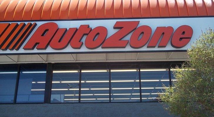 Trade of the Day: Autozone Stock Is Signalling a Classic Sell Signal