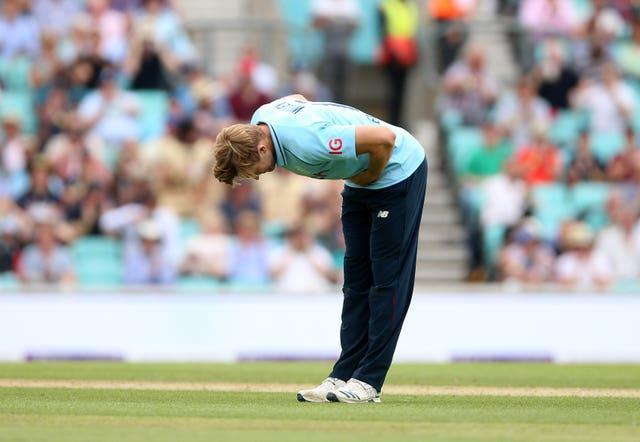 David Willey takes a bow at the Kia Oval.
