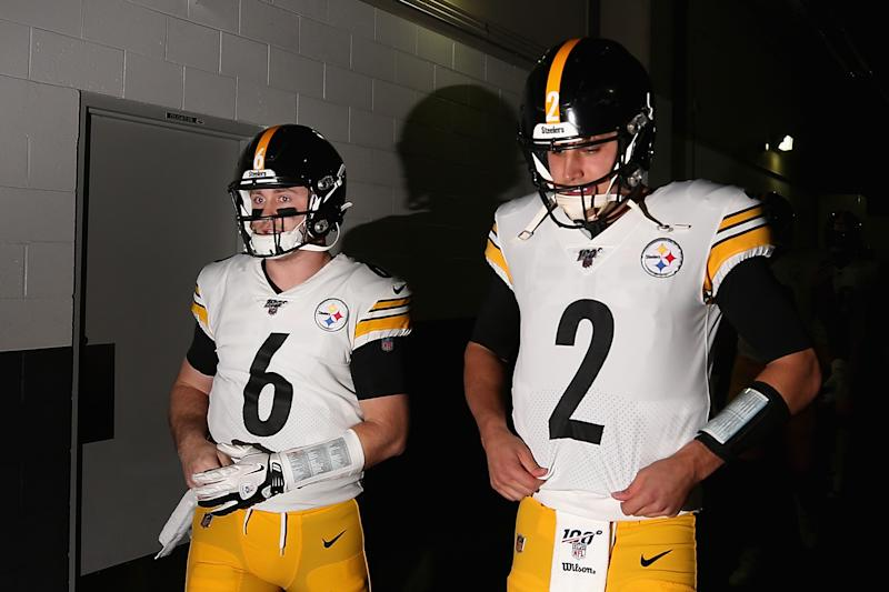 GLENDALE, ARIZONA - DECEMBER 08: Quarterbacks Devlin Hodges #6 and Mason Rudolph #2 of the Pittsburgh Steelers walk out onto the field before the NFL game against the Arizona Cardinals at State Farm Stadium on December 08, 2019 in Glendale, Arizona. (Photo by Christian Petersen/Getty Images)