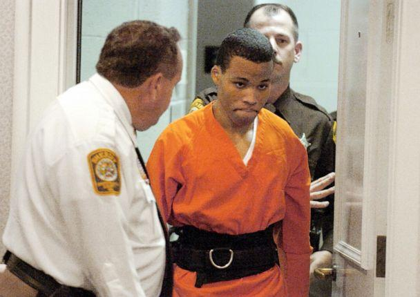 PHOTO: In this Oct. 26, 2004, file photo, Lee Boyd Malvo enters a courtroom in the Spotsylvania, Va., Circuit Court. (Mike Morones/The Free Lance-Star via AP)
